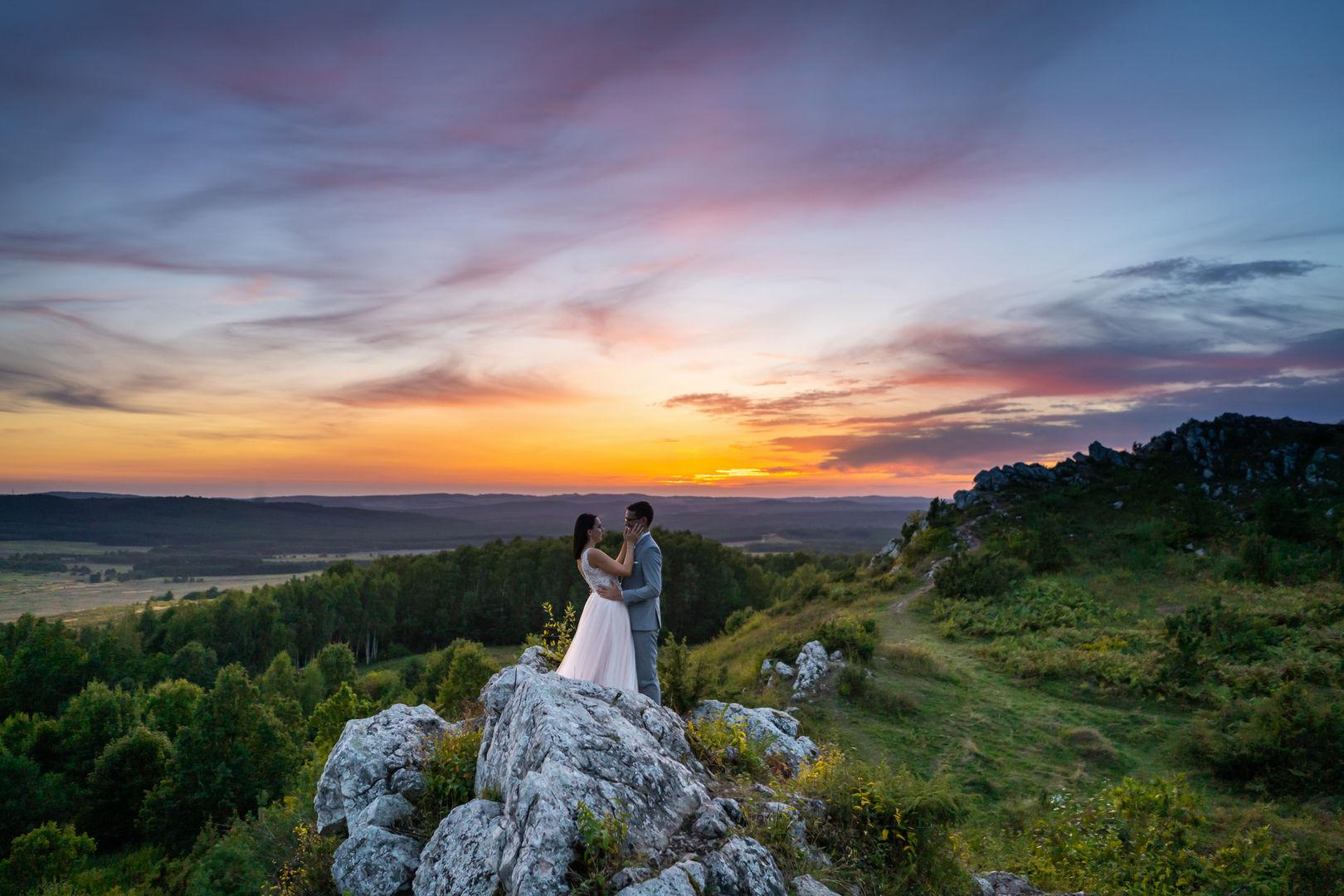Plener ślubny i malowniczy zachód słońca